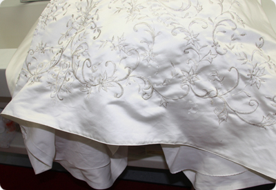 Wedding gown cleaning wedding dress cleaning boxing and for Wedding dress cleaning and preservation
